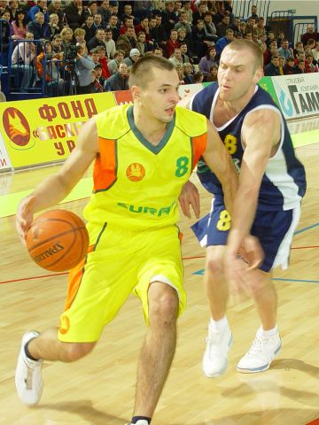 Anatoli Serguienko (EURAS) was unable to help his team to a win versus Khimik.